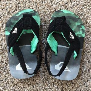NEW quicksilver size 4t sandals
